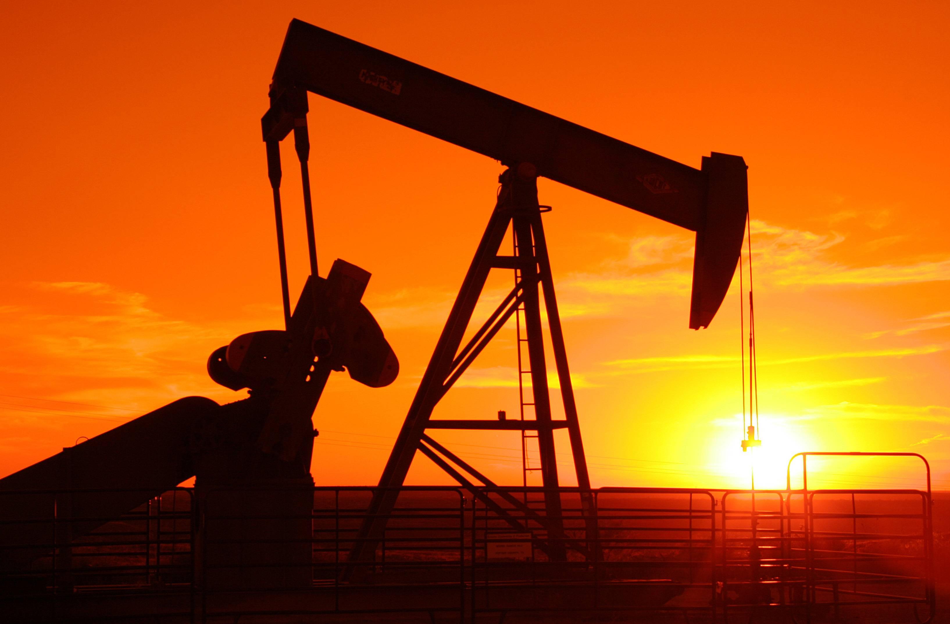 La forte chute du prix du pétrole accroit le risque d'accident financier