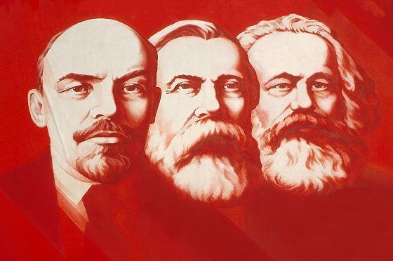 Les contradictions internes du Capitalisme et de la Démocratie : une analyse Marxiste